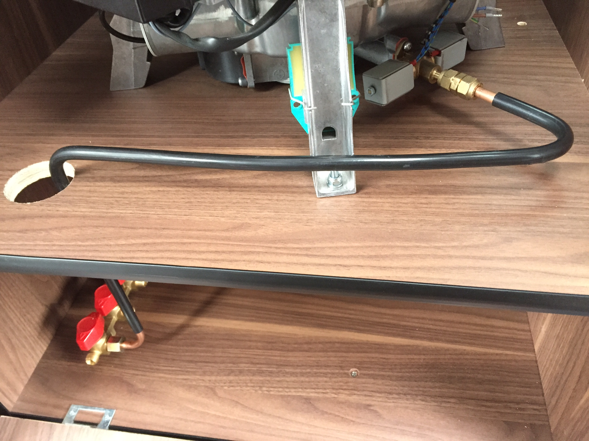 Boiler gas connection and manifold